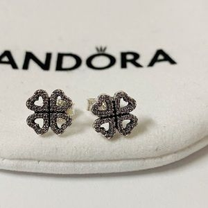 Pandora clover Zircon Earrings
